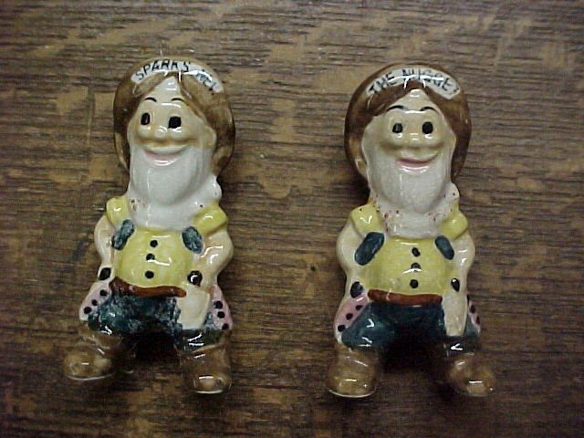 1930's Salt & Pepper Shakers/Spark, Nev./The Nugget