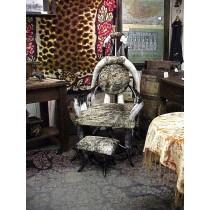 Steerhorn Chair with Cowhide & Grey Stool